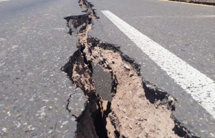 دولة يضربها 17 ألف زلزال في أسبوع... وعلماء يحذرون من خطر أكبر