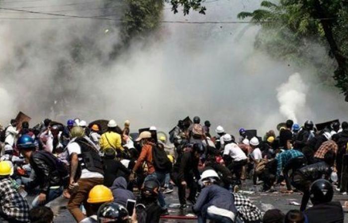 قتل المناهضين للانقلاب .. المملكة المتحدة تدعو إلى إنهاء فوري للقمع العسكري في ميانمار