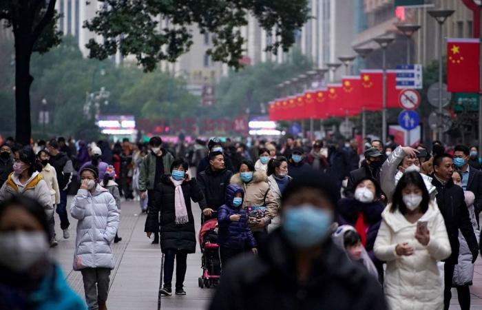 مسحة شرجية «إلزامية» للأجانب القادمين للصين.. وتحديد مراكز الفحص