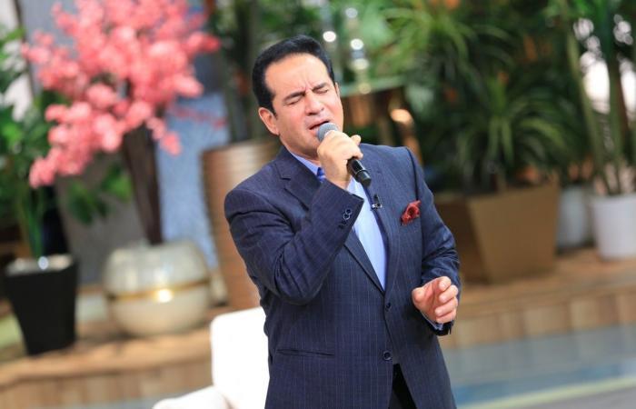 """محمد ثروت: فوجئت بنجاح """"يا مستعجل فراقى"""" وأصبحت أغنية عيد الحب للسناجل"""