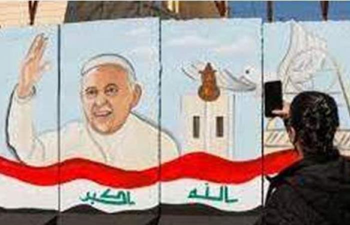 سيلفي ولافتات بـ4 لغات.. زيارة تاريخية من البابا فرانسيس إلى العراق