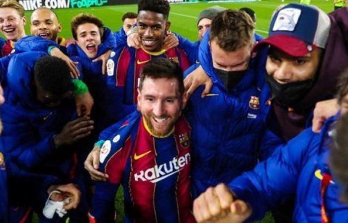 جمهور برشلونة يحتل تويتر بعد الريمونتادا التاريخية أمام إشبيلية