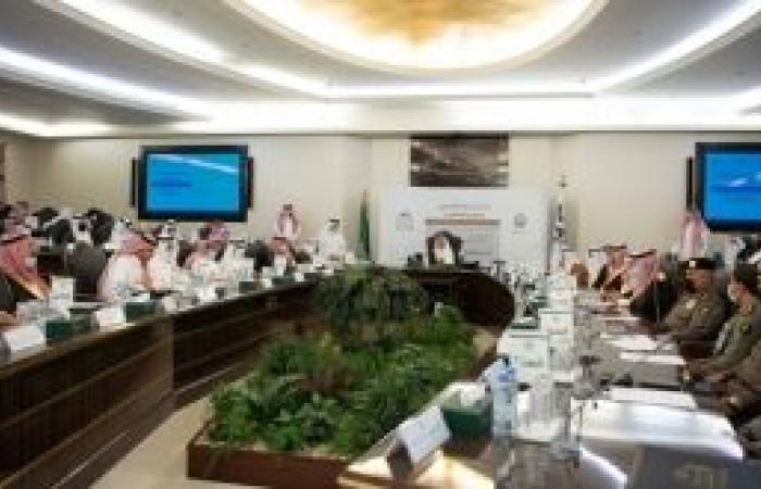خالد الفيصل يدشن مشروع الربط الإلكتروني بين الجهات بمنطقة مكة المكرمة