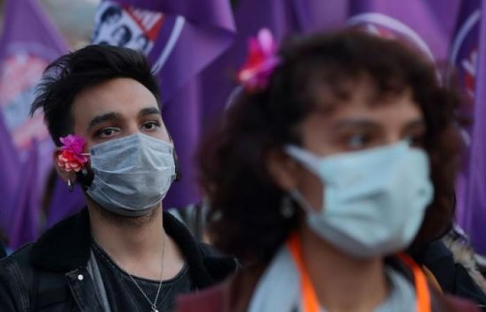 """صور.. مظاهرات نسائية حاشدة في إسطنبول احتجاجا على عنف """"أردوغان"""" ضد المرأة"""