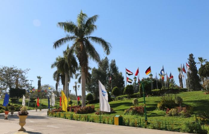 محافظ القاهرة يؤكد إعادة تخطيط جميع الحدائق وتزويدها بالخدمات.. صور