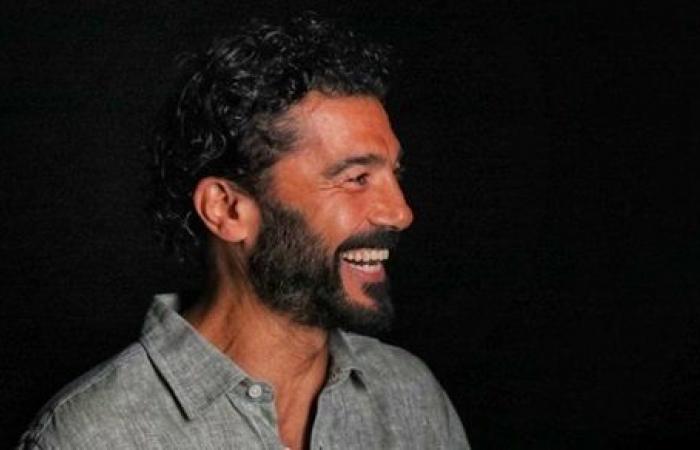 خالد النبوي يكشف شخصيته في فيلم قمر 14