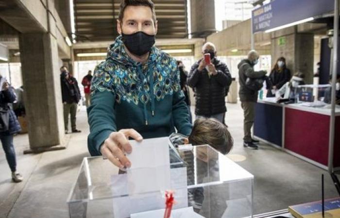 ميسي أول الحاضرين.. انطلاق التصويت في انتخابات برشلونة