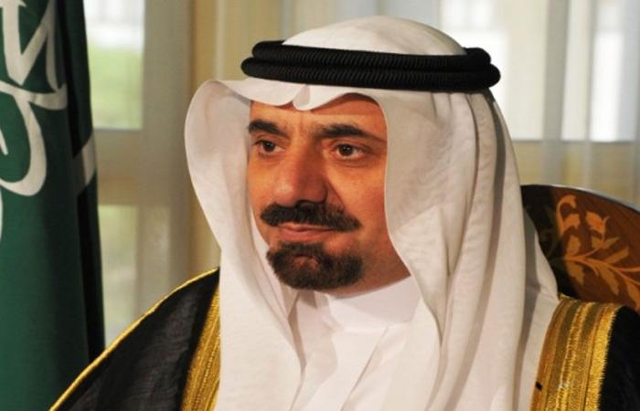 أمير نجران يُسلّم عددًا من المستفيدين وحداتهم السكنية