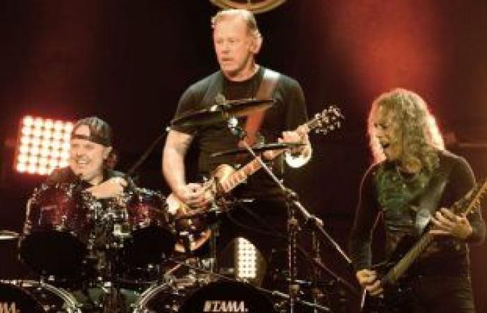 فريق Metallica يتبرع بـ75000 دولار لمساعدة ضحايا عواصف تكساس