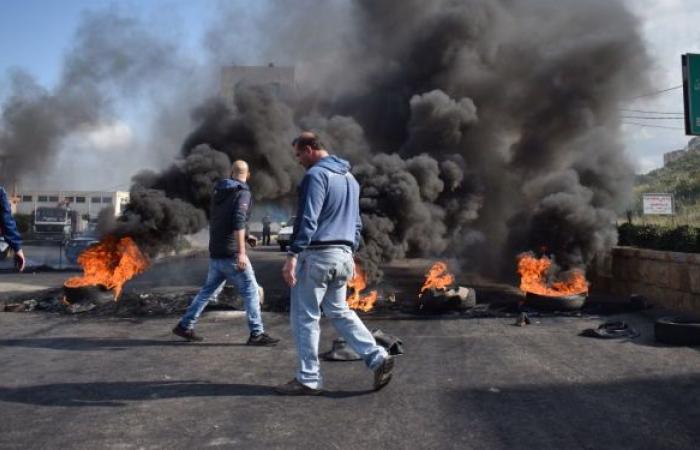 """""""إثنين الغضب"""".. احتجاجات وقطع طرق في مختلف المناطق اللبنانية... صور"""