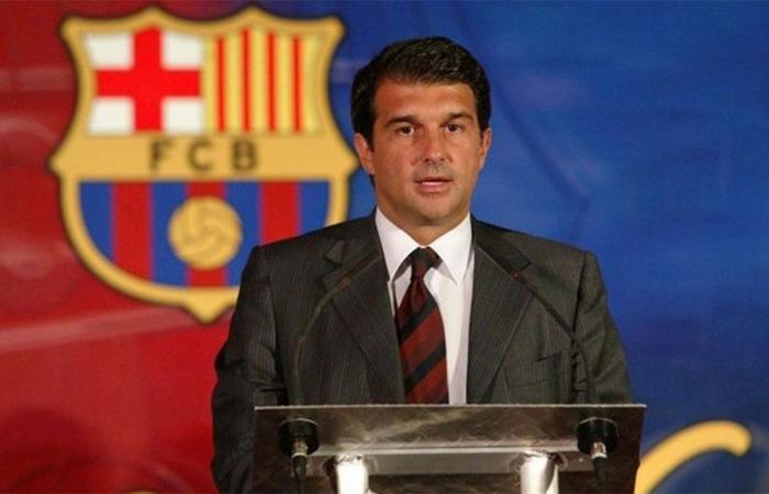 بعد 11 عامًا من الغياب..لابورتا يعود لقيادة برشلونة الإسباني