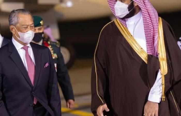 السعودية وماليزيا علاقات راسخة أكدتها زيارة رئيس الوزراء في أولى جولاته للمنطقة