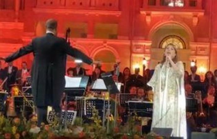 ماجدة الرومى تتألق فى حفلها بقيادة المايسترو نادر عباسى بقصر القبة.. صور