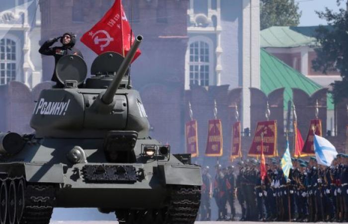 خمسة أنواع من الدبابات تشارك في العرض العسكري الروسي في عيد النصر