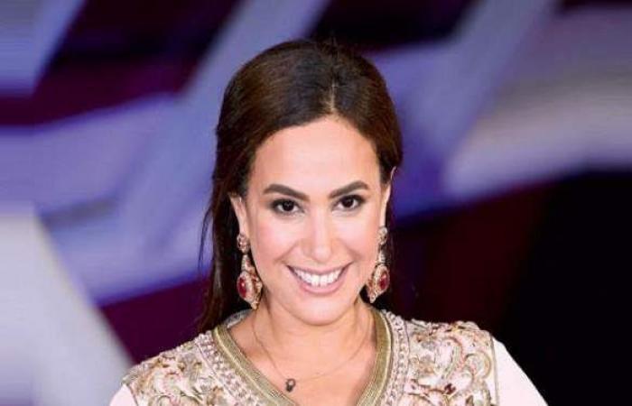 """هند صبري تعلن تعافيها من كورونا: """"المسحة سلبية ألف حمد وشكر يا رب"""""""