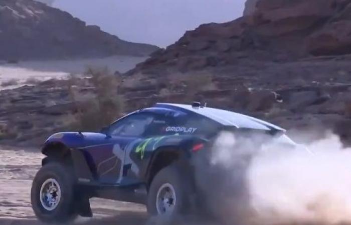 بالفيديو.. انطلاق سباق إكستريم إي الأول بصحراء العلا