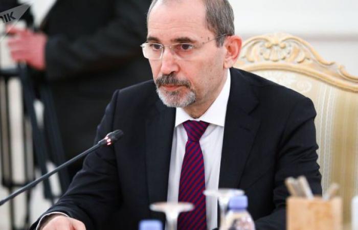 الصفدي: الأجهزة الأمنية رصدت اتصالات بين الأمير حمزة وأجهزة أجنبية