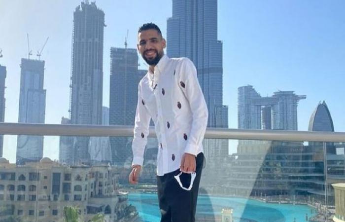 مؤمن زكريا فى صورة جديدة من الإمارات قبل حضور نهائى كأس الخليج العربى