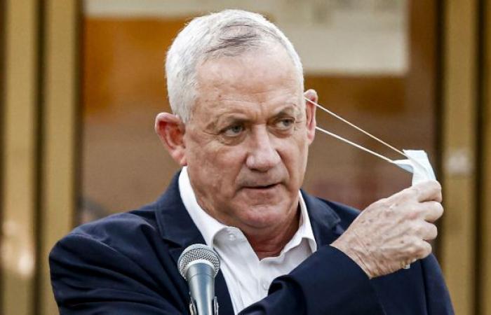 غانتس يعلق على تورط إسرائيل في استهداف السفينة الإيرانية بالبحر الأحمر