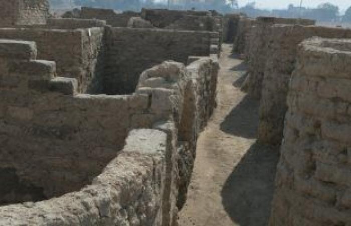"""كبير الأثريين: المدينة المكتشفة بالأقصر """"كمبوند سكنى"""" بمساحة 20 كيلو مترا"""
