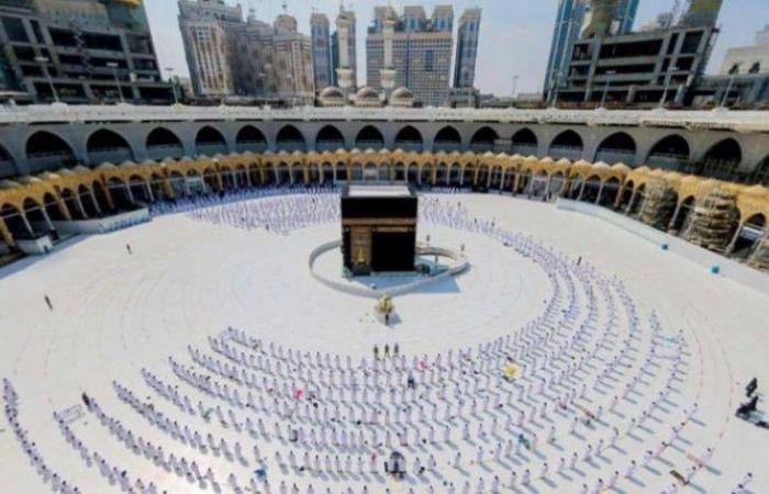 «الحج» تعلن عن آلية إصدار وحجز تصاريح العمرة والصلاة والزيارة