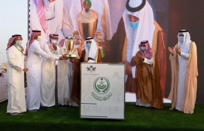 أمير مكة يشرف الحفل الختامي لسباقات الخيل بجدة
