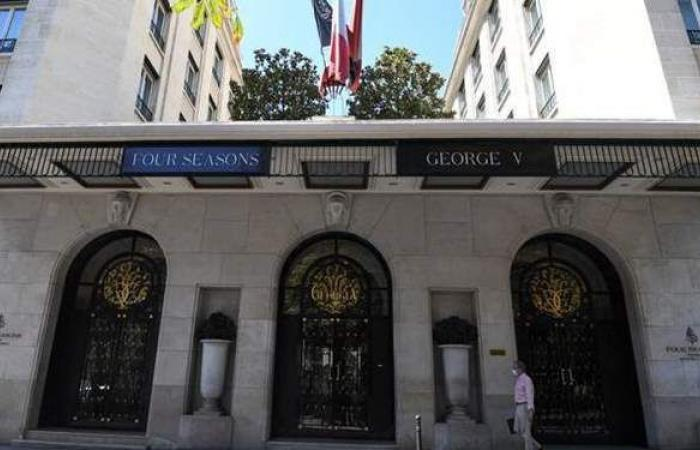 واقعة كيم كارداشيان تتكرر.. سرقة مجوهرات بمبالغ ضخمة في هجوم مسلح على فندق بباريس