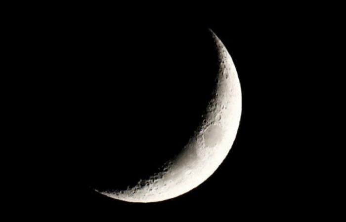 «الجهني» يتوقع استحالة رؤية هلال رمضان لغروبه قبل الشمس