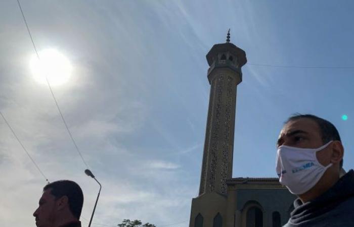 الحزن يقتل مصريا بعد ساعة من وفاة شقيقه بكورونا