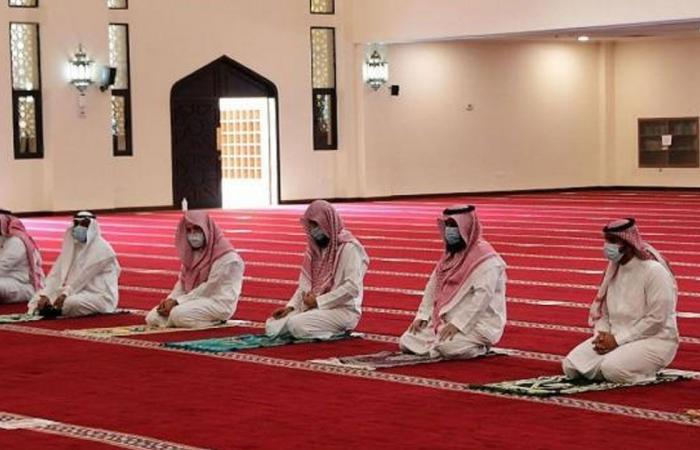 إغلاق 10 مساجد مؤقتًا بعد ثبوت إصابات كورونا بين صفوف المصلين