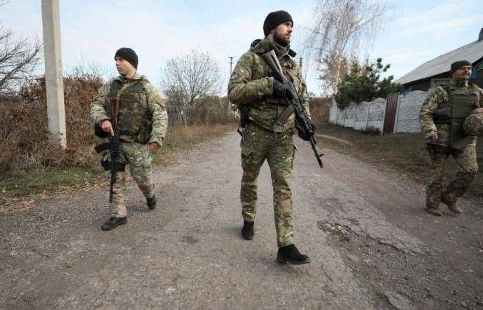 اتهامات متبادلة بين الانفصاليين والجيش الأوكراني