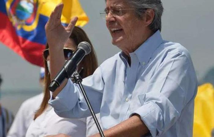 لاسو يعلن نفسه رئيسا منتخبا للإكوادور.. ومنافسه الاشتراكي يعلق