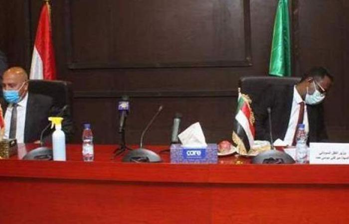 وزير النقل يكشف موعد وتكلفة خط السكة الحديد الرابط مع السودان