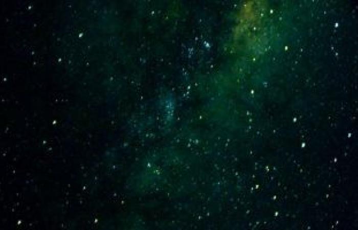شاهد.. مجرة Miky Way ولمحة عن الأرض بصورة من محطة فضاء