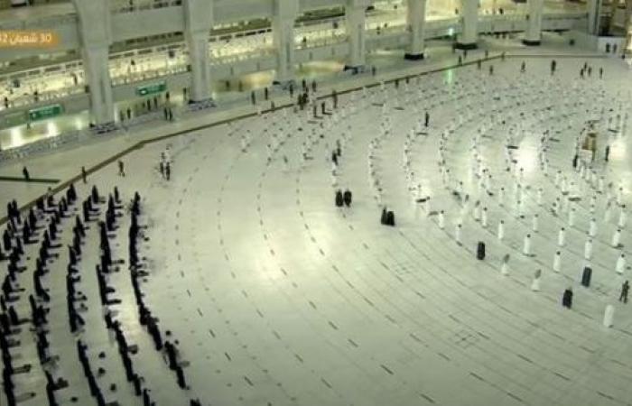 جدول أئمة صلاة التراويح الليلة الأولى من رمضان في الحرمين الشريفين