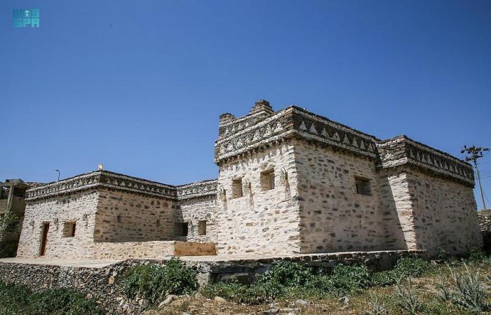 مسجد جرير بالطائف عمره 1400 عام ولا يزال يستقبل المصلين