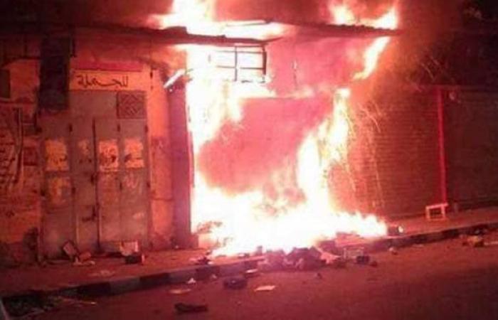 المعاينة الأولية: ماس كهربائي وراء حريق محل مأكولات شهير في أحمد حلمي