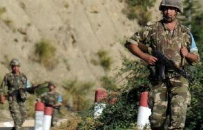 الجيش الجزائرى يعلن تدمير 15 مخبأ للجماعات الإرهابية فى 3 ولايات