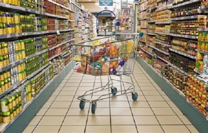 مبيعات التجزئة في بريطانيا ترتفع بنحو 14% في مارس 2021