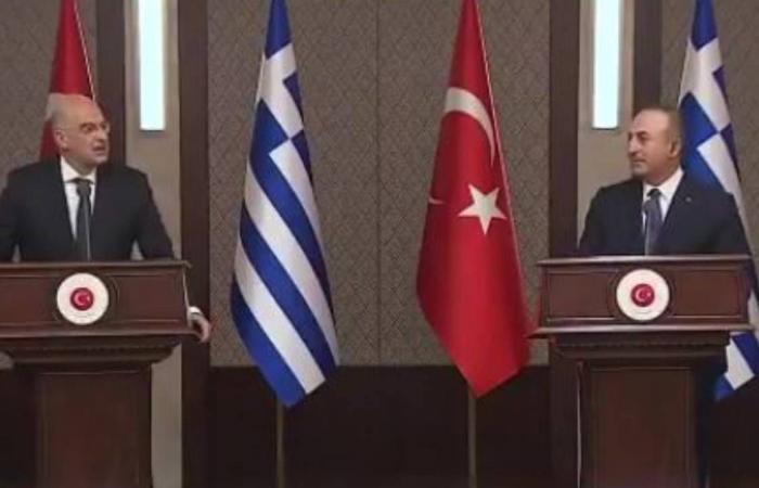 بالفيديو.. وزيرا خارجية اليونان وتركيا يتبادلان الاتهامات على الهواء مباشرة