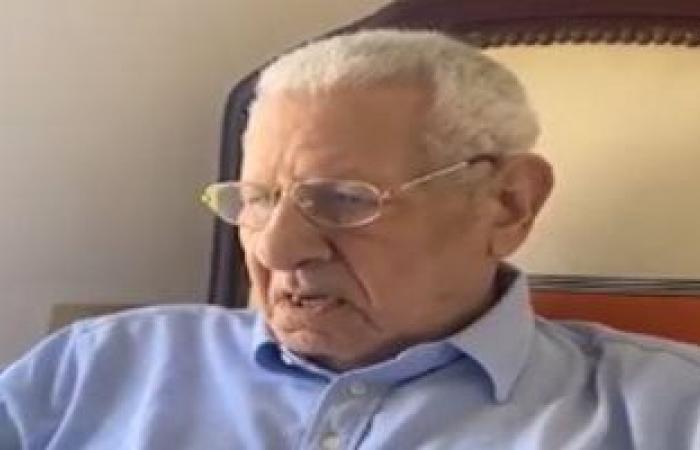 الإمام الأكبر ينعى الكاتب الصحفى مكرم محمد أحمد