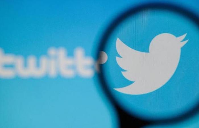 تويتر يعود للعمل بعد انقطاع مفاجئ