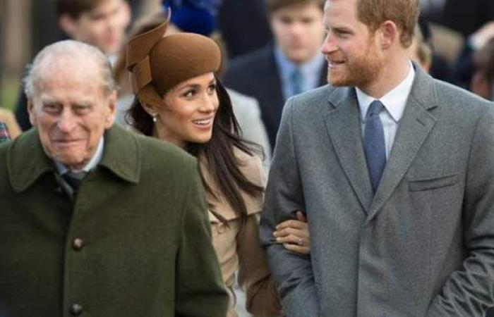 دخلا متباعدين وخرجا معا.. الأمير هاري بجوار شقيقه بعد جنازة جدهما |فيديو