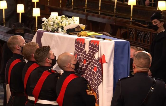 بث مباشر لجنازة الأمير فيليب الراحل من كنيسة القديس جورج