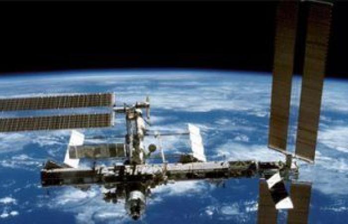 رائدة فضاء ناسا كيت روبينز تعود إلى الأرض بعد 6 أشهر بمحطة الفضاء