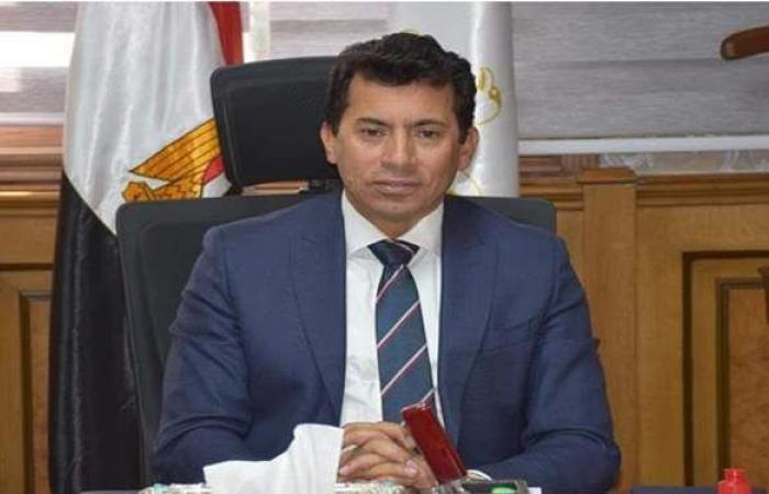 كمال درويش والدرندلي يطمئنان على وزير الرياضة بعد تعرضه لحادث