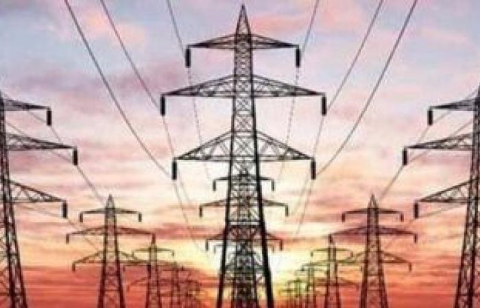 تعرف على خطة الدولة لتطوير شبكات الكهرباء بشمال وجنوب سيناء