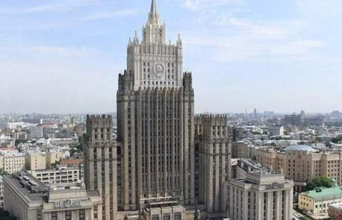 روسيا تتلقى مذكرة بشأن طرد أحد دبلوماسييها من أوكرانيا