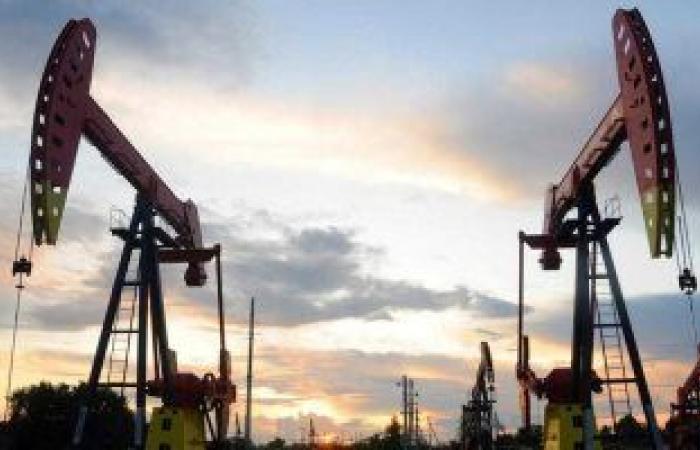 أسعار النفط تسجل اليوم 66.54 دولار لبرنت و62.96 للخام الأمريكى