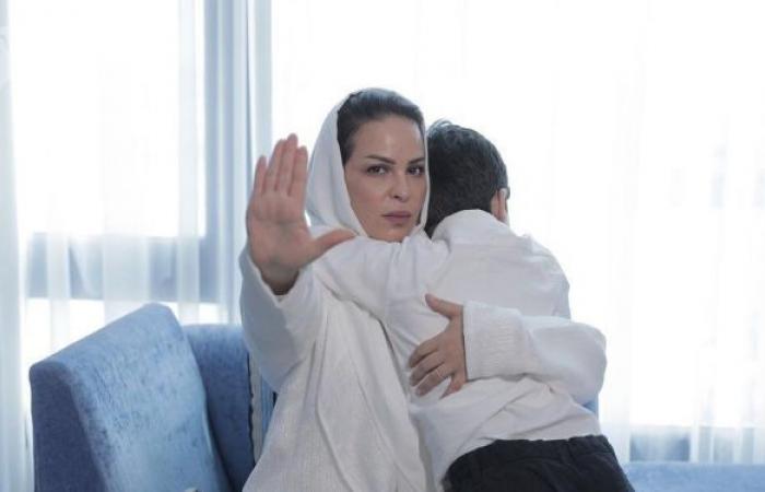 إجراء مفاجئ من المحكمة ينهي أزمة منى السابر مع ابنتها حلا الترك ويحميها من السجن